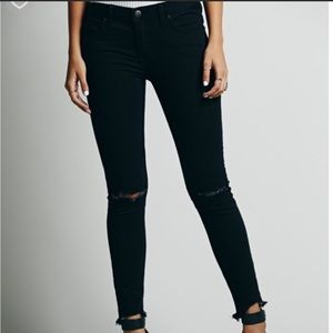 FREE PEOPLE distressed raw hem cropped ankle jeans